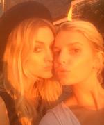 Ashlee Simpson and Jessica Simpson Makeup Free Selfie
