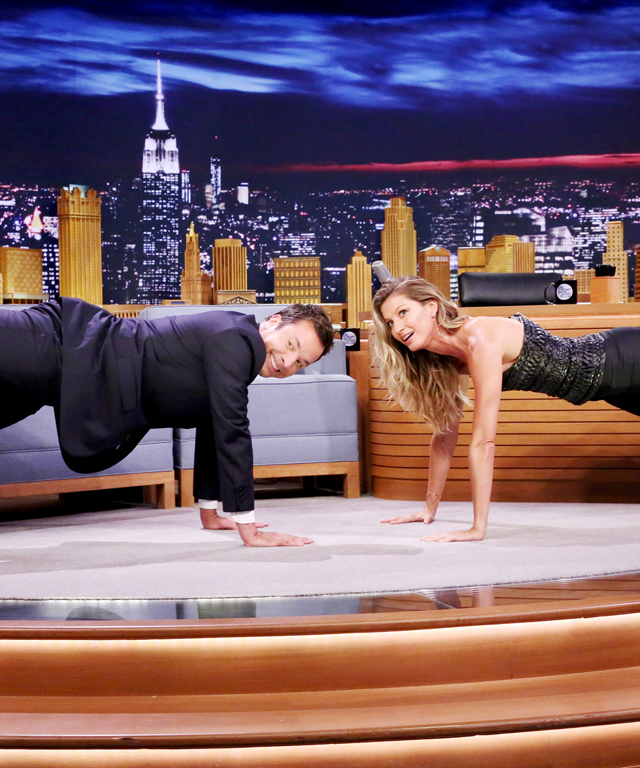 Gisele Bündchen planks with Jimmy Fallon
