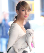Taylor Swift and Olivia Benson