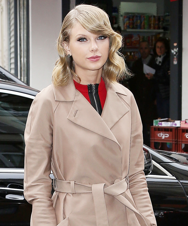 Taylor Swift Street Style in Paris