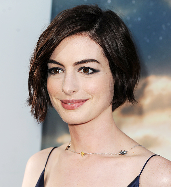 Anne Hathaway Now: 301 Moved Permanently
