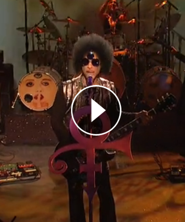 Prince performs 8-minute medley on SNL.