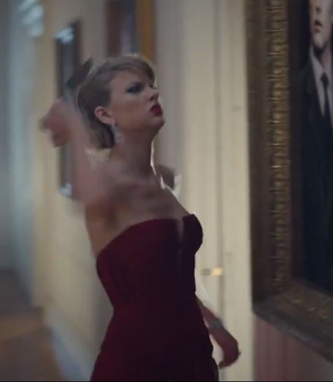 Taylor swift changes 20 times aka every 12 seconds in her new video