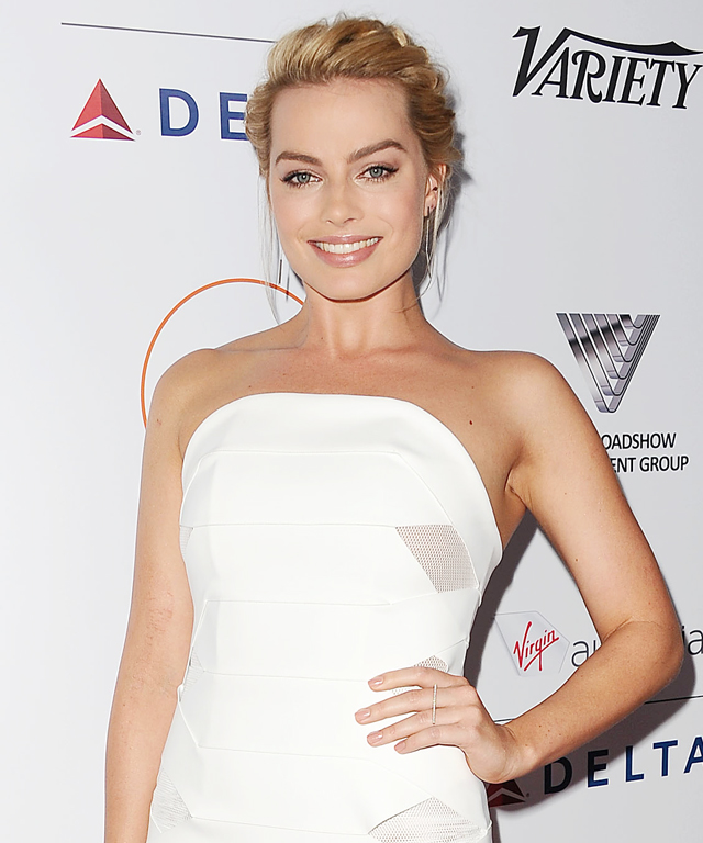 Margot Robbie's Holiday Shopping Strategy