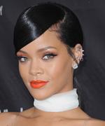 Rihanna - Red Lipstick