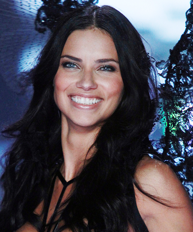 Victoria's Secret Fashion Show - Adriana Lima