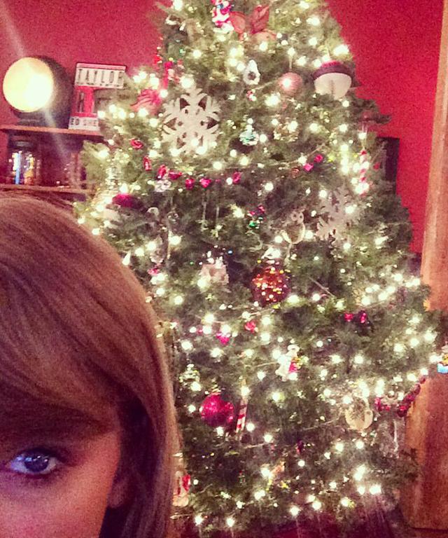 Taylor Swift's Christmas Tree