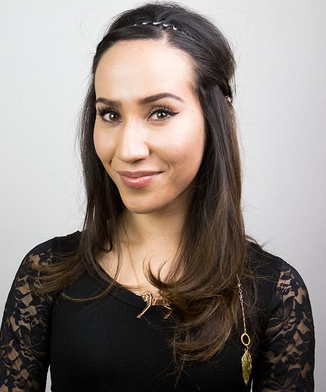 Hair Accessory GIFs