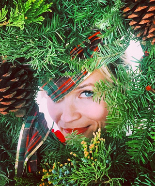 Reese Witherspoon takes on Mindy Kaling's Wreath Witherspoon