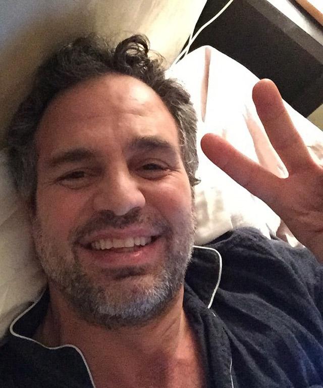 Mark Ruffalo SAGs winner's selfie