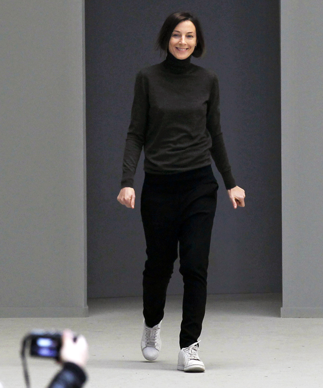 Phoebe Philo in Adidas Stan Smiths