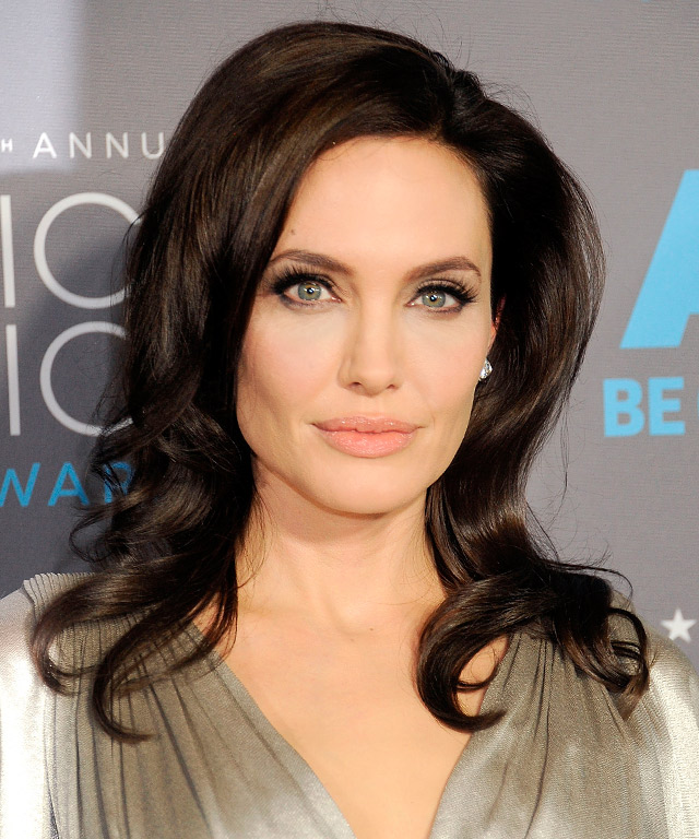 Angelina Jolie tops poll of world's most admired women