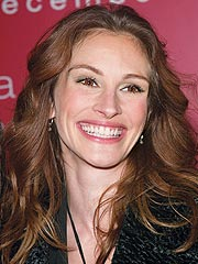 Julia Roberts Signs Up to Promote Clean Energy
