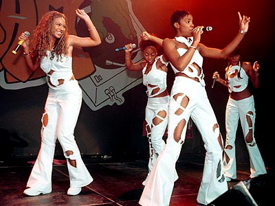 STAGE PRESENCE photo | Destiny's Child, Beyonce Knowles, Kelly Rowland
