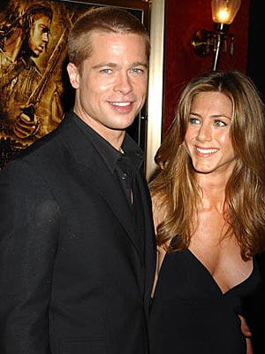 MAY 10: NEW YORK  photo | Brad Pitt, Jennifer Aniston