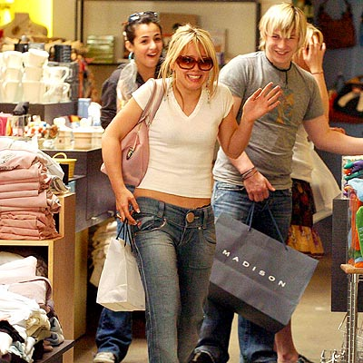 SHOPPING SPREE photo | Hilary Duff