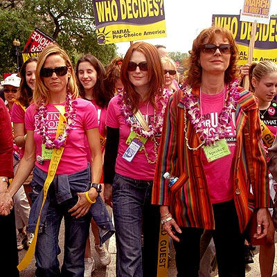 MAKING A DIFFERENCE  photo | Julianne Moore, Sheryl Crow, Susan Sarandon