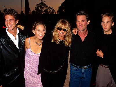 FAMILY TIES photo | Goldie Hawn, Kate Hudson, Kurt Russell