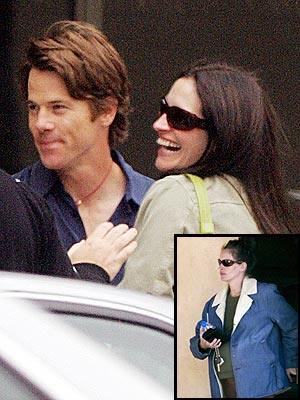 JULIA ROBERTS & DANNY MODER photo | Julia Roberts