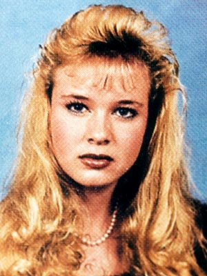 HAIR-RAISING photo | Renee Zellweger