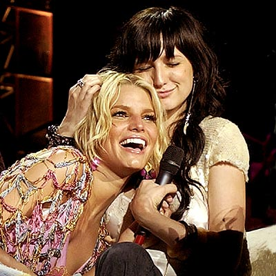 THEIR RELATIONSHIP: photo | Ashlee Simpson, Jessica Simpson