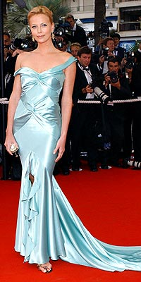 BEST RED CARPET: CHARLIZE THERON photo | Charlize Theron