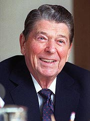 Reagan Pays Final Visit to His Hometown