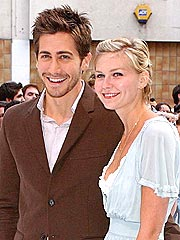 Kirsten Dunst and Jake Gyllenhaal Split
