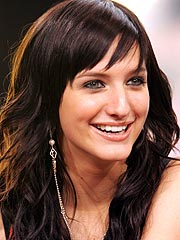 Ashlee Simpson&#39;s CD Heads to Platinum