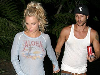 Britney Buys $7 Mil Malibu Honeymoon Pad