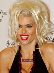 Anna Nicole: 'Bad Eyes,' Not Booze, at AMAs
