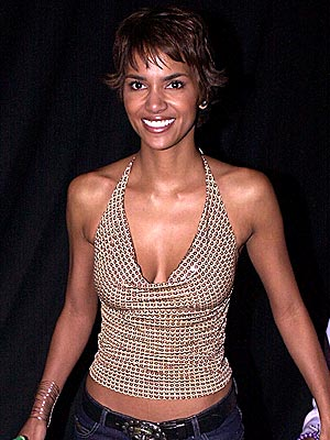 BEST CHEST: HALLE BERRY photo | Halle Berry