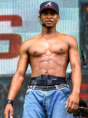 BEST ABS: USHER photo | Usher