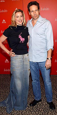 DENIM DISASTER photo | David Duchovny, Tea Leoni
