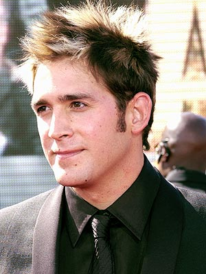 STAND-UP GUY photo | Eric Szmanda