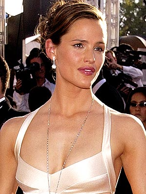 SWEET & STYLISH photo | Jennifer Garner