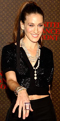 HOLIDAY TREND: DRAMATIC JEWELRY photo | Sarah Jessica Parker