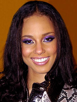 HOLIDAY TREND: COLORFUL EYES photo | Alicia Keys