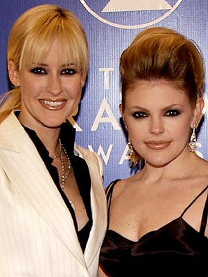 HAIR-RAISING photo | Dixie Chicks, Martie Maguire, Natalie Maines
