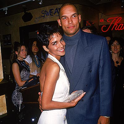 STRIKE OUT  photo | Halle Berry