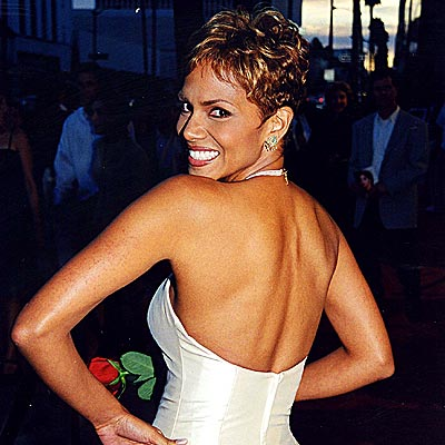 WINNING SMILE  photo | Halle Berry