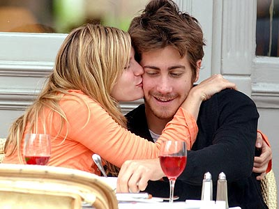 CUTE ALERT photo | Jake Gyllenhaal, Kirsten Dunst