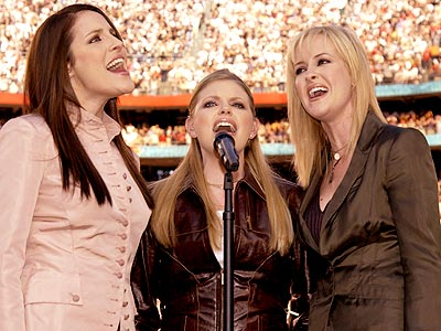 BIGGEST COUNTRY FEUD photo | Dixie Chicks, Emily Robison, Martie Maguire, Natalie Maines