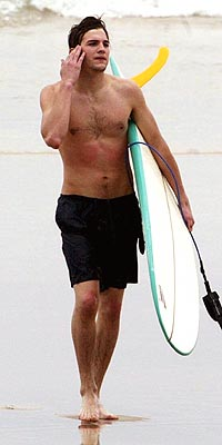 SURFER DUDE photo | Ashton Kutcher