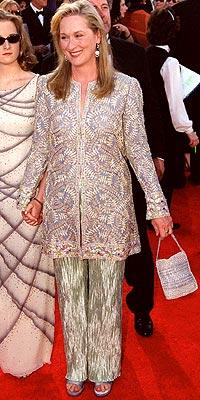 BUSY BEE photo | Meryl Streep
