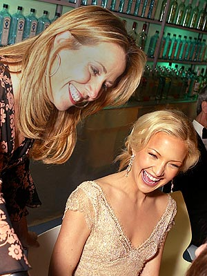 COMPLETELY FAMOUS photo | Kate Hudson, Sheryl Crow