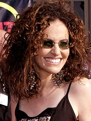 CRAZY CURLS photo | Amy Brenneman