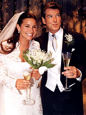 pic of pierce brosnan and his wife