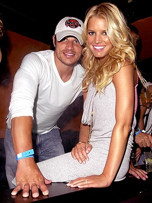 GAME PLAYERS photo | Jessica Simpson, Nick Lachey