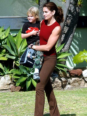 SUPER MOM photo | Cindy Crawford